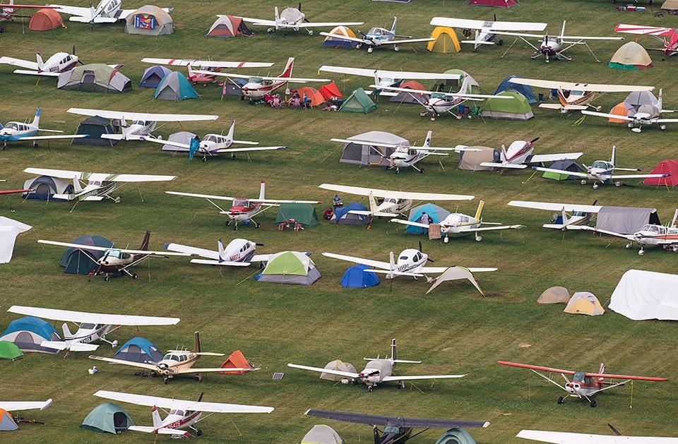 Crowds At the EAA Airventure Oshkosh Airshow