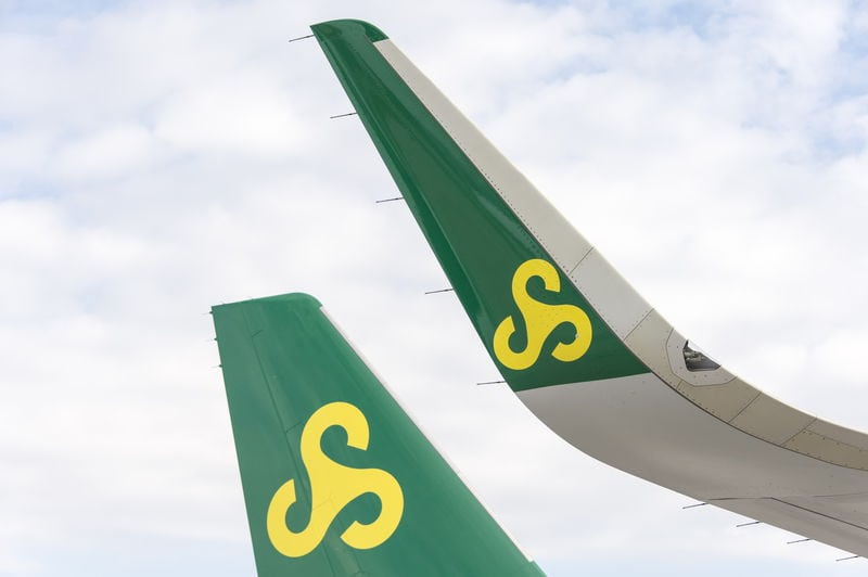Spring Airlines sharklet wing tips