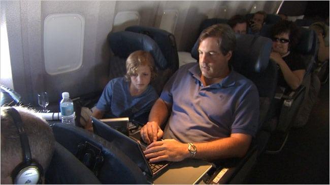 Passengers using Gogo