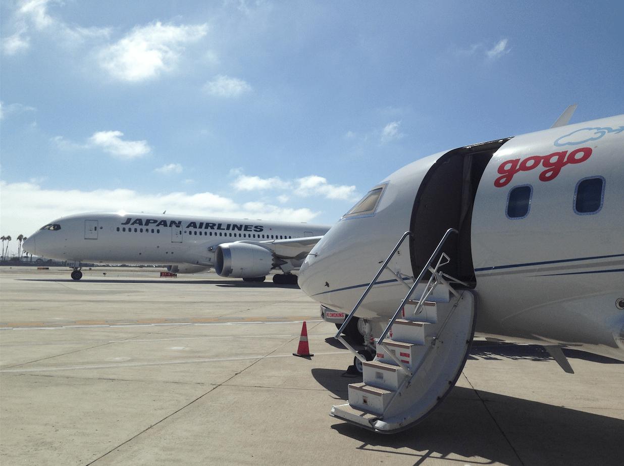 Gogo enabled airplane