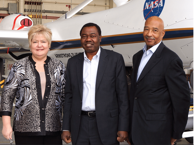 ICAO's Council President Olumuyiwa Benard Aliu (centre) with U.S. Representative to ICAO Ambassador Michael Lawson (right) and ICAO Air Navigation Bureau Director Nancy Graham (left) at the NASA Armstrong Flight Research Center.