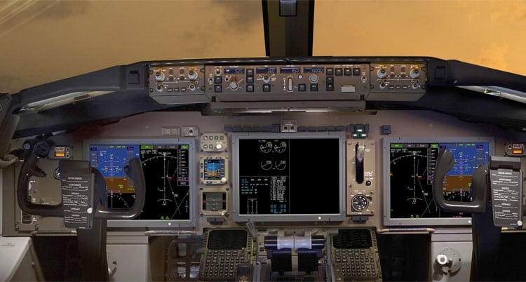 Rockwell Collins' large-format display upgrade for 767 and 757 flight decks