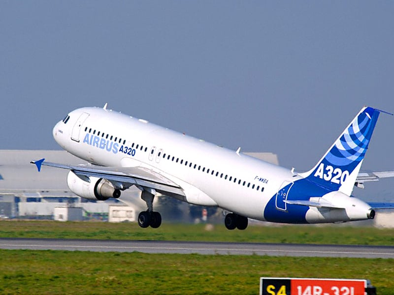 An Airbus A320, the model for which Rockwell will install the EFB interface and communication unit