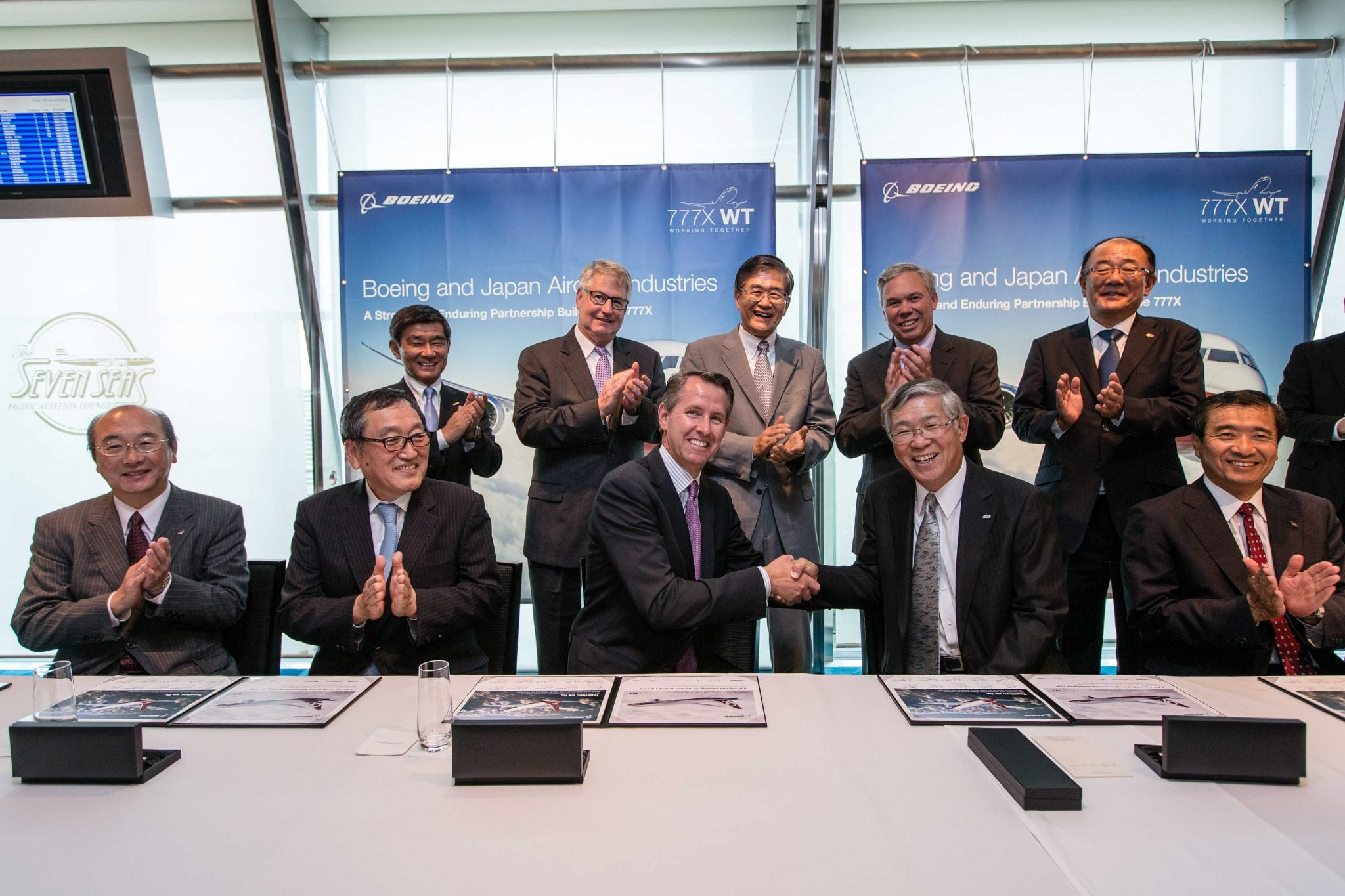 Boeing and Japanese partners signing an agreement for 777X production