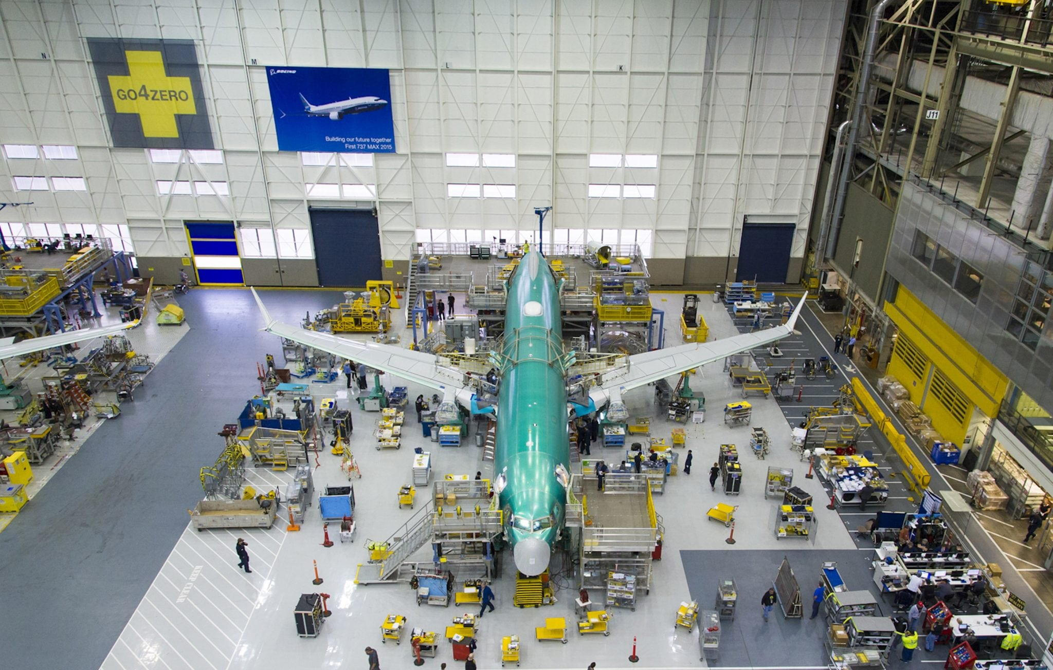 Boeing manufacturing a 737 airliner