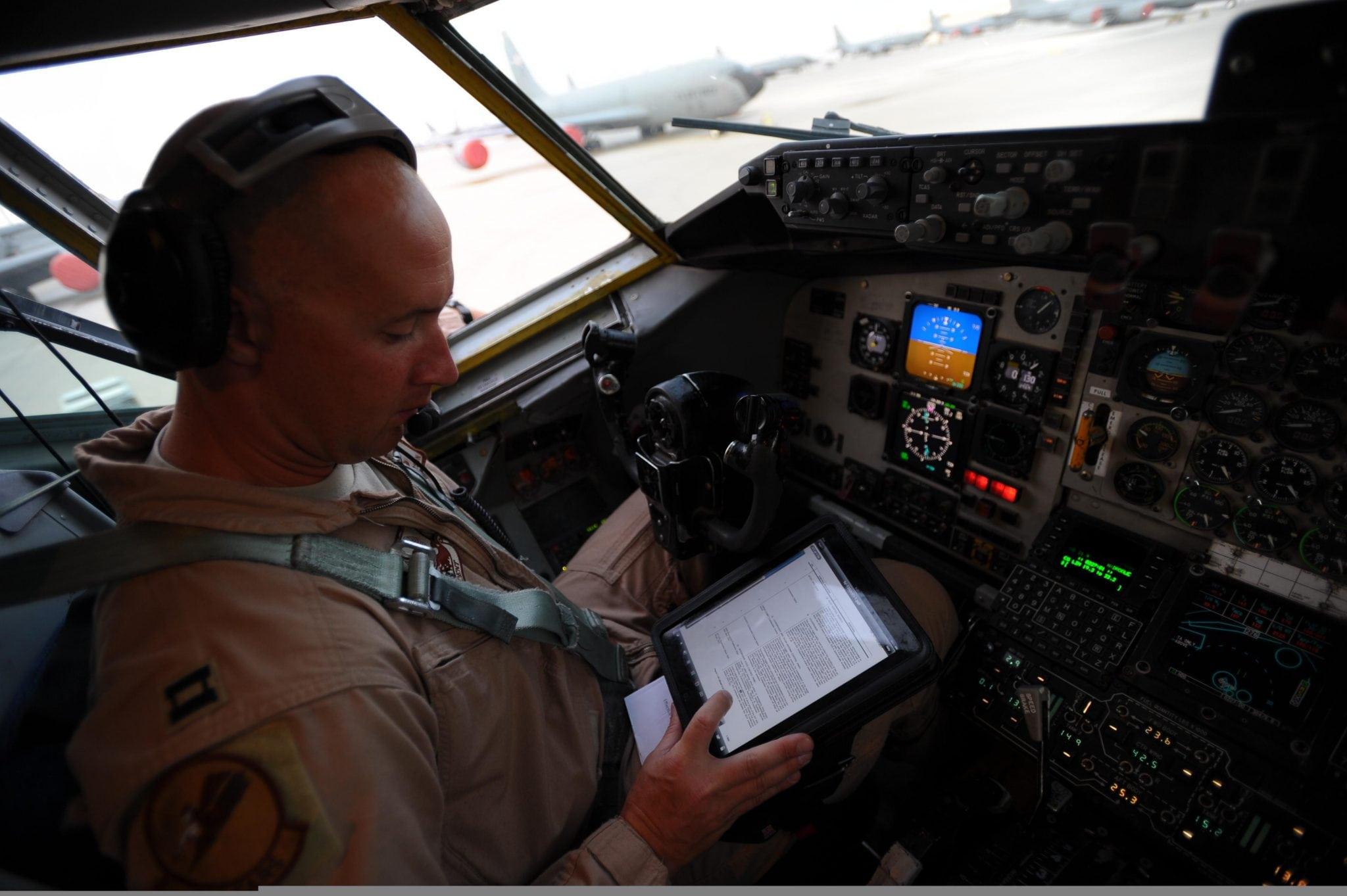 A pilot using an EFB