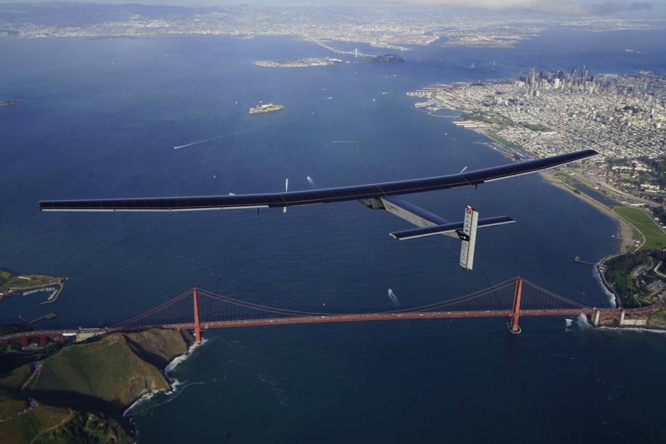 Space Impulse Si2 & Bertrand Piccard above San Francisco