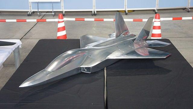 Model of MHI's X2 stealth plane demonstrator