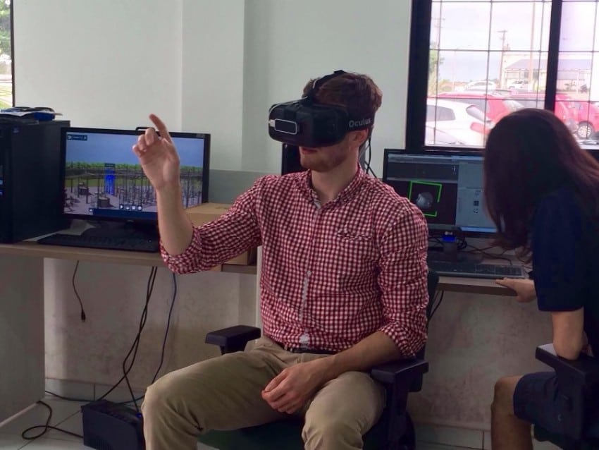 A student testing the virtual reality tool at Western Michigan University