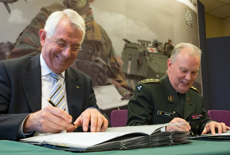 Jac Jansen, Director of MUAC, and Major General Rudy Debaene, acting Director General Material Resources