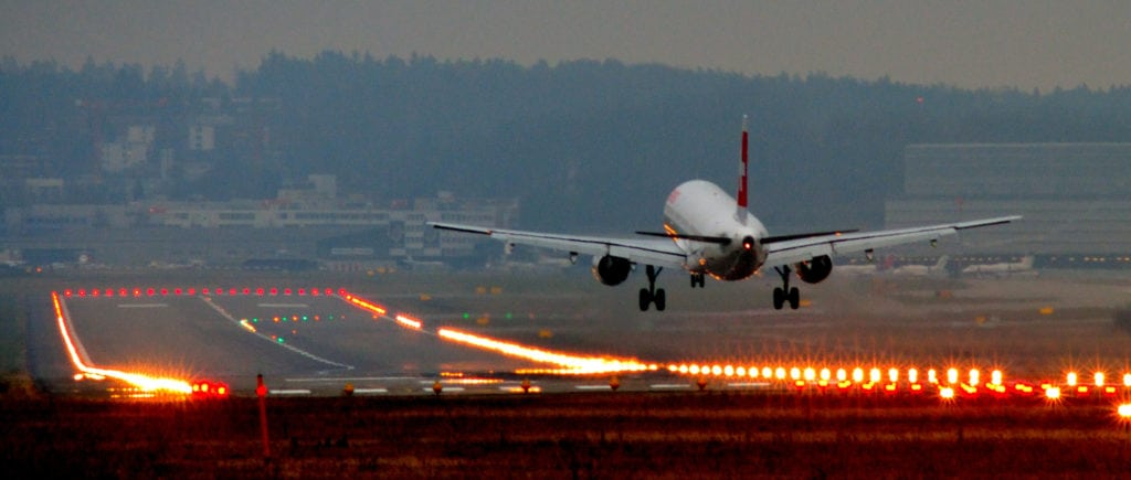 Landing_at_Zurich_International_Airport