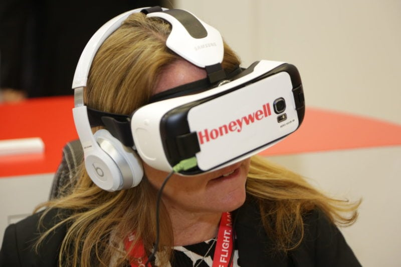 Honeywell's VR headset.