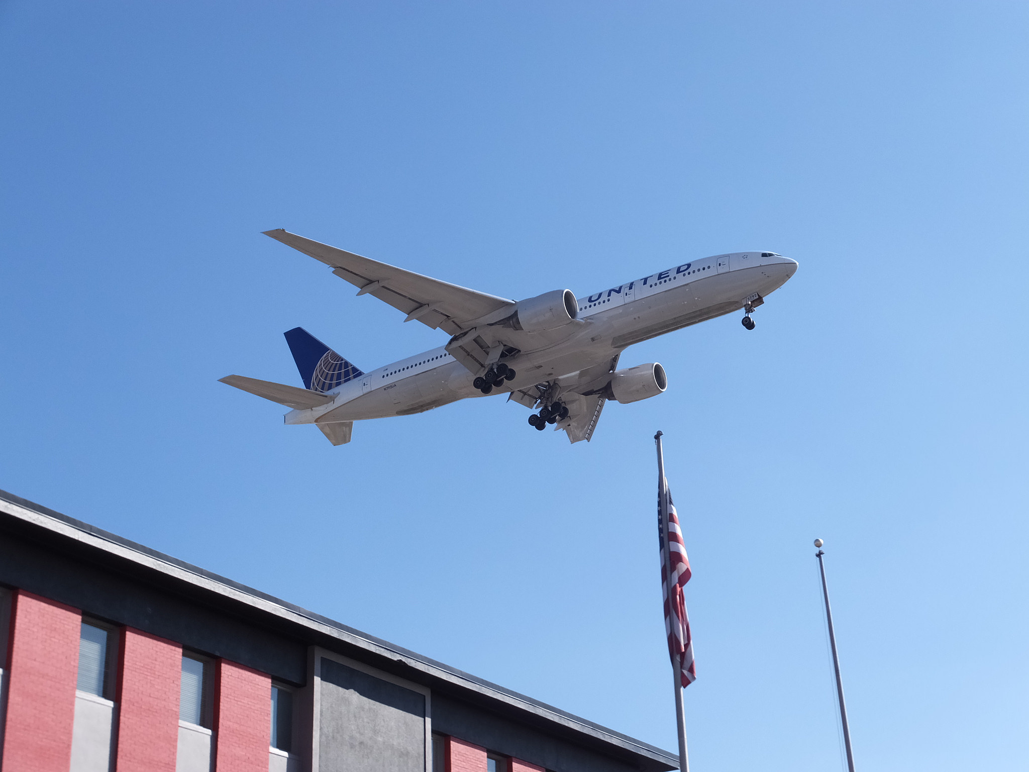 A United Airlines 777 at Chicago O'Hare. Photo: Flickr user Friscocali.