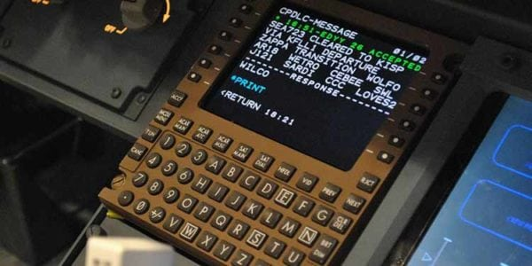 Data Comm on an airplane cockpit display. Photo: Harris Corp.