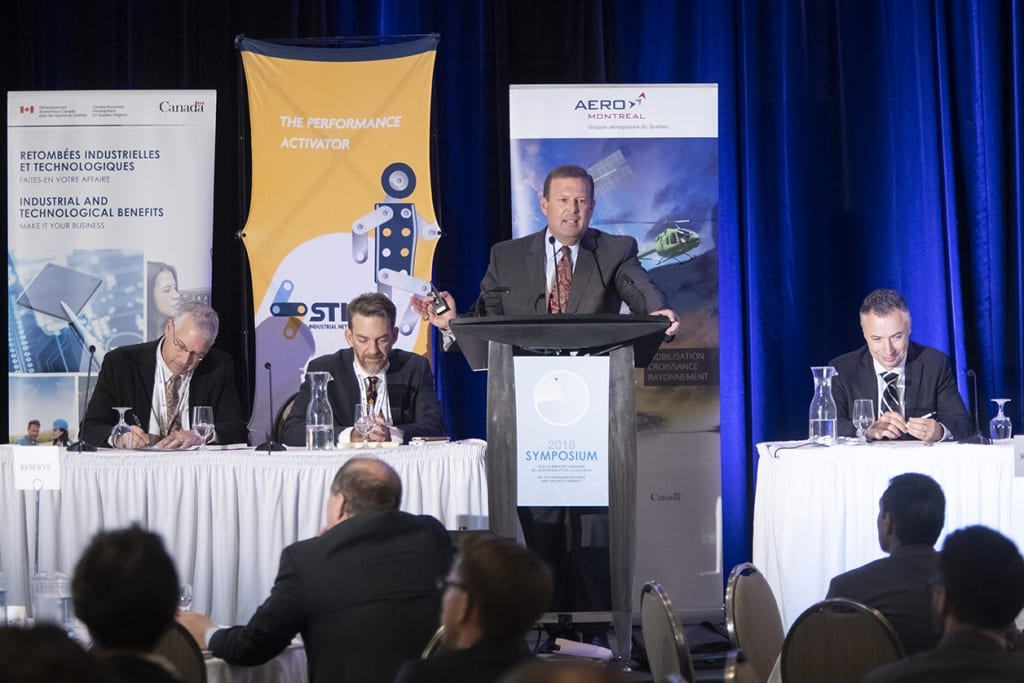 Discussing Canadian aerospace at the Symposium on the Canadian Defence and Security Market 2018. (Aero Montreal)