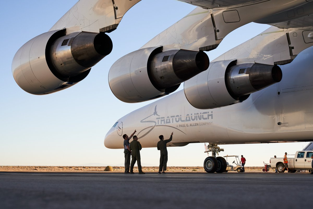 The Stratolaunch features three Pratt & Whitney engines on each side. (Stratolaunch)